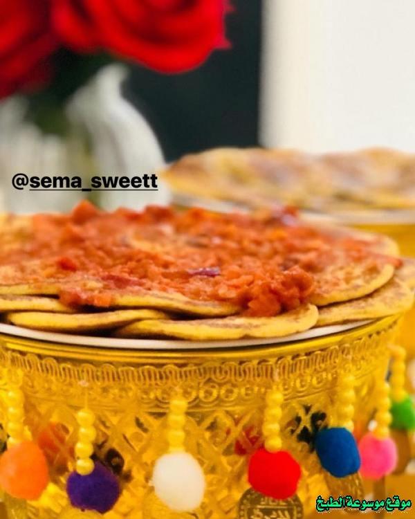 al massabeb recipes in arabic-طريقة عمل ميني مصابيب بالكشنه والعسل وتسمى المراصيع - المراقيش - المصابيب - الرغفان - مراهيف