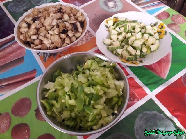 http://photos.encyclopediacooking.com/image/recipes_pictures-cuisine-tunisienne-recette-%D8%A7%D9%83%D9%84%D8%A9-%D8%A7%D9%84%D9%83%D9%81%D8%AA%D8%A7%D8%AC%D9%8A-%D8%A7%D9%84%D8%AA%D9%88%D9%86%D8%B3%D9%8A%D8%A9-%D9%85%D9%86-%D8%A7%D9%84%D9%85%D8%B7%D8%A8%D8%AE-%D8%A7%D9%84%D8%AA%D9%88%D9%86%D8%B3%D9%8A6.jpg