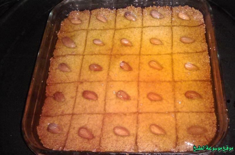 http://photos.encyclopediacooking.com/image/recipes_pictures-cuisine-tunisienne-traditionnelle-en-arabe-kitchen-recipes-%D8%B7%D8%B1%D9%8A%D9%82%D8%A9-%D8%B9%D9%85%D9%84-%D9%88%D8%B7%D8%A8%D8%AE-%D9%88%D8%B5%D9%81%D8%A9-%D9%87%D8%B1%D9%8A%D8%B3%D8%A9-%D8%AD%D9%84%D9%88%D8%A9-%D8%A8%D8%A7%D9%84%D8%B3%D9%85%D9%8A%D8%AF-%D8%AA%D9%88%D9%86%D8%B3%D9%8A%D8%A9-%D8%AD%D9%84%D9%88%D9%8A%D8%A7%D8%AA-%D8%AA%D9%88%D9%86%D8%B3%D9%8A%D8%A9-%D9%85%D9%86-%D8%A7%D9%84%D9%85%D8%B7%D8%A8%D8%AE-%D8%A7%D9%84%D8%AA%D9%88%D9%86%D8%B3%D9%8A-%D8%A8%D8%A7%D9%84%D8%B5%D9%88%D8%B112.jpg