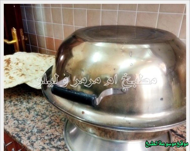 http://photos.encyclopediacooking.com/image/recipes_pictures-easy-iraqi-food-kitchen-recipes-%D8%B7%D8%B1%D9%8A%D9%82%D8%A9-%D8%B9%D9%85%D9%84-%D8%A7%D9%84%D8%AE%D8%A8%D8%B2-%D8%A7%D9%84%D8%B9%D8%B1%D8%A7%D9%82%D9%8A-%D8%A8%D8%A7%D9%84%D8%AA%D9%86%D9%88%D8%B1-%D8%A7%D9%84%D9%83%D9%87%D8%B1%D8%A8%D8%A7%D8%A6%D9%8A-%D9%85%D9%86-%D8%A7%D9%84%D9%85%D8%B7%D8%A8%D8%AE-%D8%A7%D9%84%D8%B9%D8%B1%D8%A7%D9%82%D9%8A-%D8%A8%D8%A7%D9%84%D8%B5%D9%88%D8%B14.jpg
