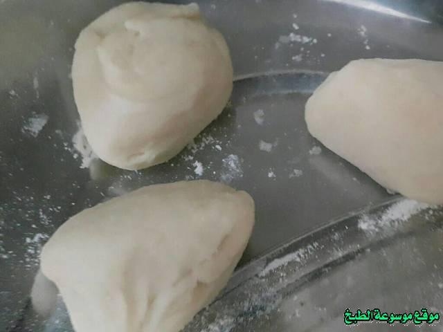 http://photos.encyclopediacooking.com/image/recipes_pictureslahmajoun-recipe-%D9%84%D8%AD%D9%85-%D8%A8%D8%B9%D8%AC%D9%8A%D9%863.jpg
