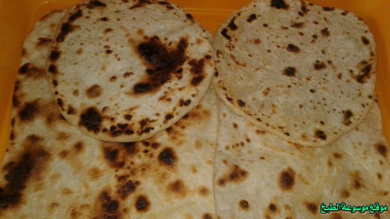 http://photos.encyclopediacooking.com/image/recipes_picturesthe-yemeni-bread-%D8%A7%D9%84%D8%AE%D8%A8%D8%B2-%D8%A7%D9%84%D9%8A%D9%85%D9%86%D9%8A-%D8%A8%D8%A7%D9%84%D8%B3%D9%85%D9%86-%D9%88%D8%A7%D9%84%D8%B7%D8%A7%D9%88%D8%A9-%D9%85%D9%86-%D8%A7%D9%84%D9%85%D8%B7%D8%A8%D8%AE-%D8%A7%D9%84%D9%8A%D9%85%D9%86%D9%8A10.jpg