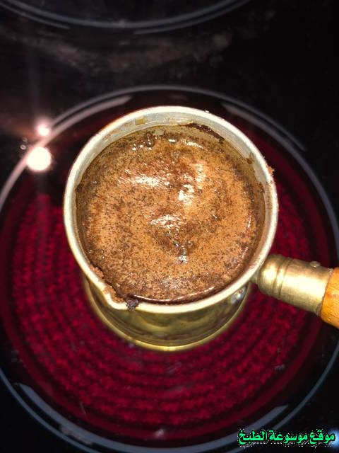 http://photos.encyclopediacooking.com/image/recipes_picturesturkish-coffee-recipe-%D8%B7%D8%B1%D9%8A%D9%82%D8%A9-%D8%A7%D9%84%D9%82%D9%87%D9%88%D8%A9-%D8%A7%D9%84%D8%AA%D8%B1%D9%83%D9%8A%D8%A9-%D8%A8%D9%88%D8%B4-%D8%A8%D8%A7%D9%84%D8%B5%D9%88%D8%B13.jpg